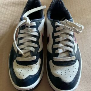 Nike shoes. Good used condition